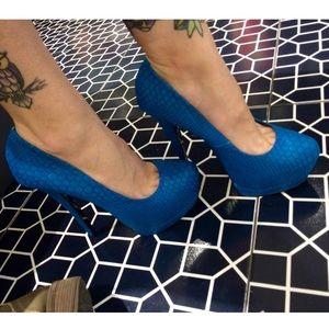 💜Snake Skin Heels